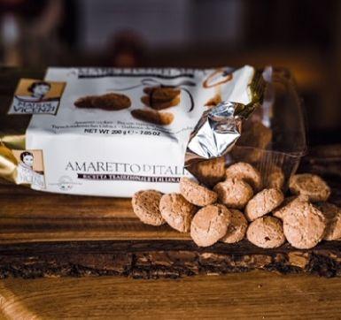 Amaretto d'Italia to włoskie ciasteczka z jądrami pestek moreli