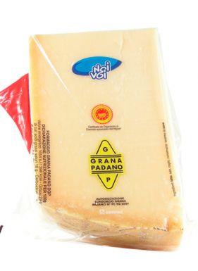 Grana Padano jest w jednym kawałku - 300 gramów