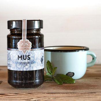 Konfitura z czarnego bzu ma tylko dwa składniki: owoce czarnego bzu i cukier
