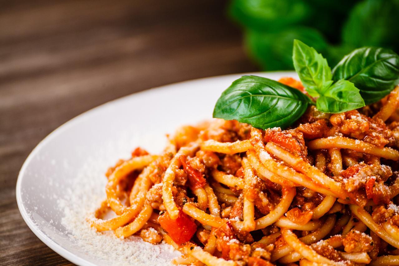 spaghetti-bolognese-przepis