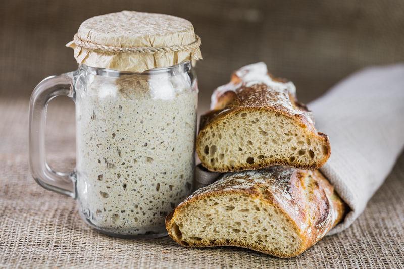 chleb-zytni-i-zakwas-z-maki-zytniej