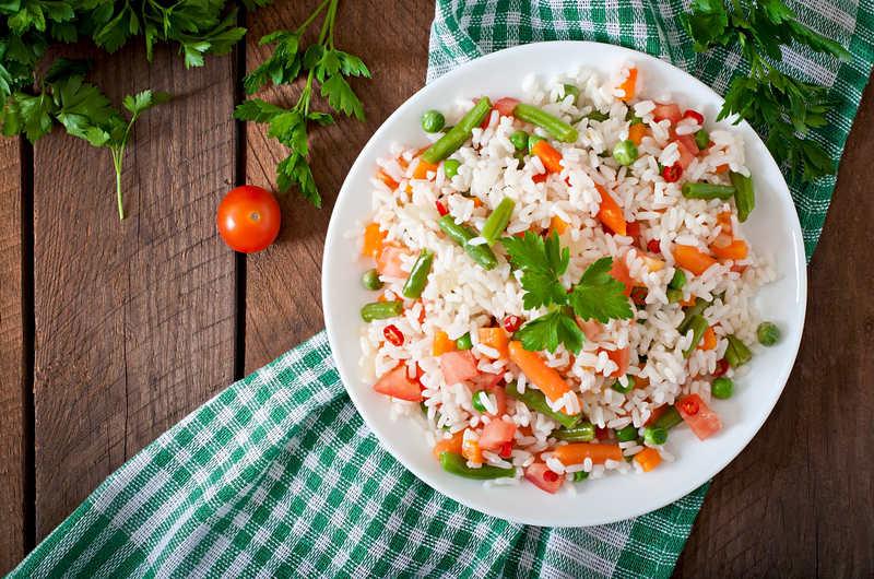 kolacja-z-ryzem-i-warzywami