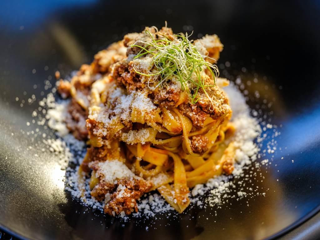 makaron bez mięsa bolognese