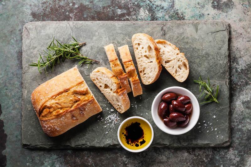 oliwę z oliwek można jeść z chlebem