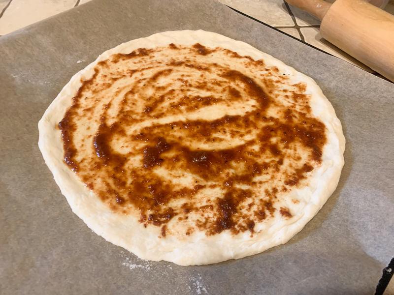 pizza-z-sosem-pomidorowym