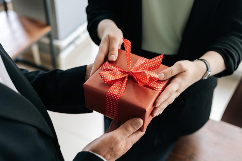 prezent-od-pracownika