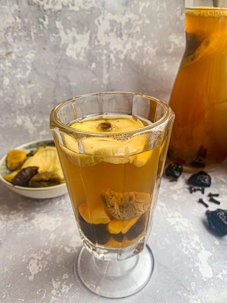 szklanka-kompotu-z-suszu